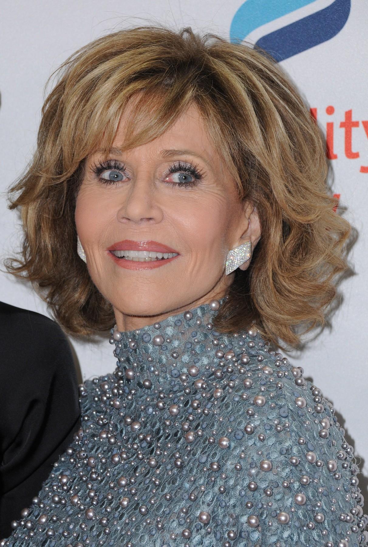 Sinonim-za-lepoto-tudi-na-pragu-devetega-desetletja-Jane-Fonda-razkriva-svoje-lepotne-skrivnosti-2
