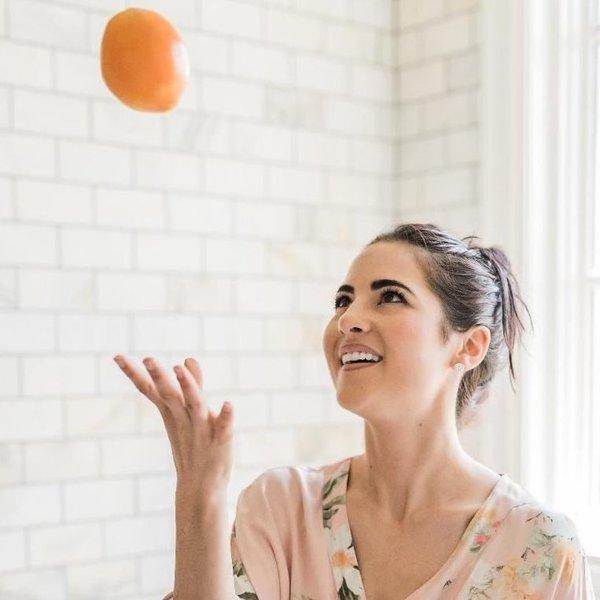 Hialuronska kislina in C vitamin Do bleščeče kože z le dvema sestavinama!