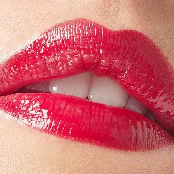 Sijaj za ustnice: velika vrnitev v letu 2019