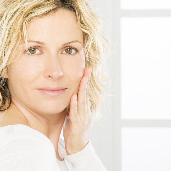 Kaj je retinol in zakaj bi ga morala uporabljati?