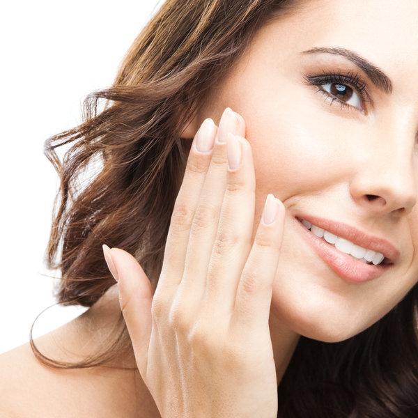 Naredi sama: Kako naj bo tvoj obraz vedno sijoč brez maščobnega sijaja
