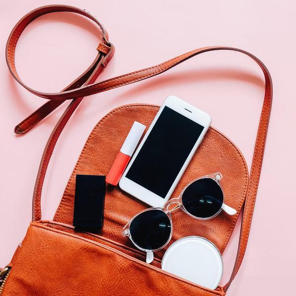 Make up nasveti: Kaj to pomlad moraš imeti v svoji torbici