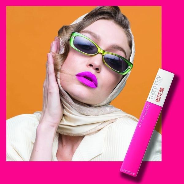 Zakaj je tudi to poletje mat tekoča šminka glavni trend med ličili