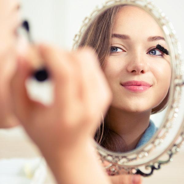 Ličenje oči: Triki za nanašanje črtala in maskare