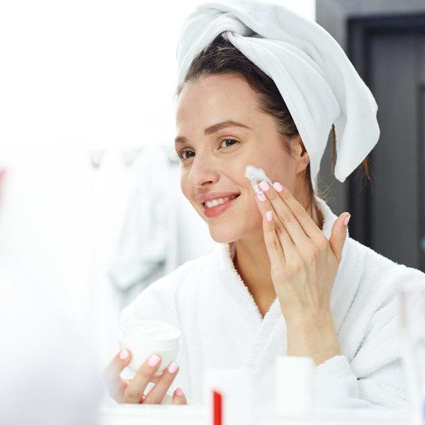 Razkrivamo ti razliko med dehidrirano in suho kožo