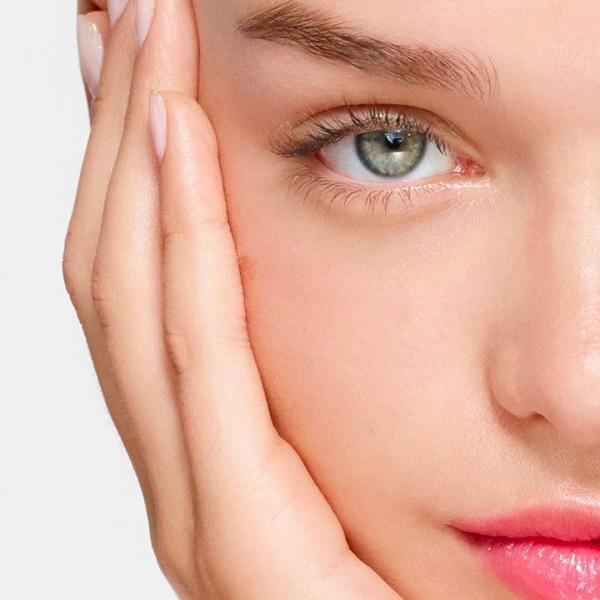 Nega obraza: Zasij s pomočjo negovalnih izdelkov z vitaminom C