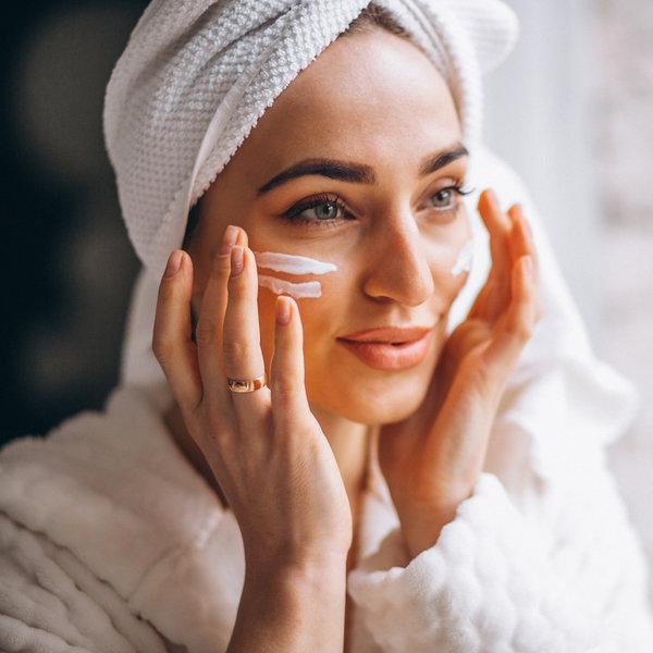 Kako se zaščititi pred soncem in upočasniti staranje kože obraza