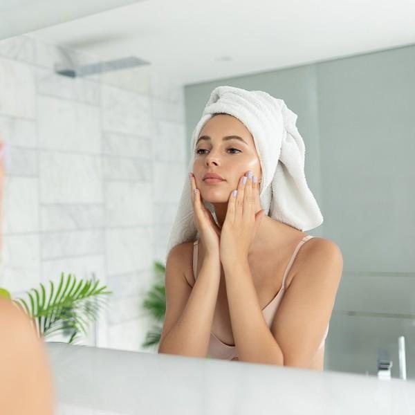Popularni sestavini za nego kože: konopljino olje in E vitamin