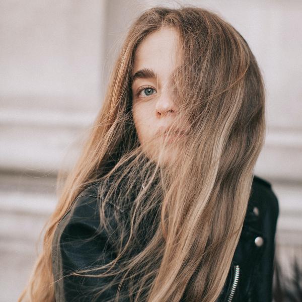 Šampon za suho umivanje las: kako ga uporabljamo?
