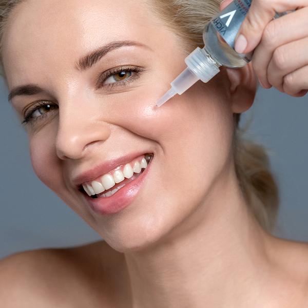 Inovativni anti-ageing serum, ki deluje na vse gube in izgubo polnosti kože
